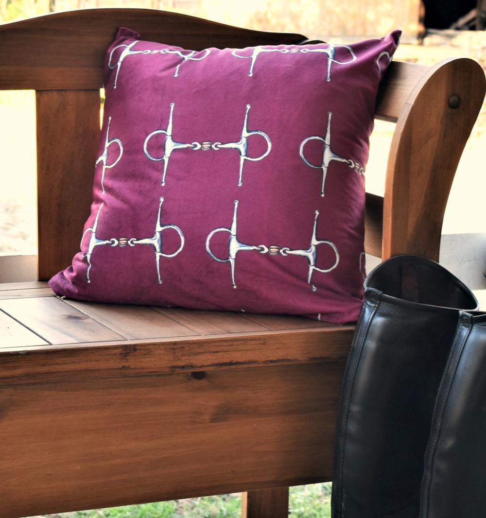 bench with bit marron bit pillow 1000x 72