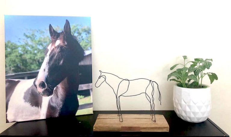metal-table-top-horse-art-sculpture-for-equestrians