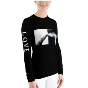 long sleeve sun shirt with horses in black and white