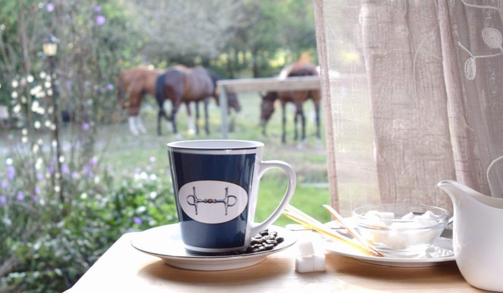 Classic equestrian style coffee m ug